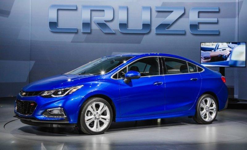 Chevrolet Cruze 2016: nhẹ hơn, mạnh mẽ hơn.