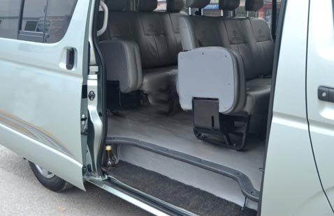 Cần bán Toyota Hiace sản xuất 2011, xe đẹp-5