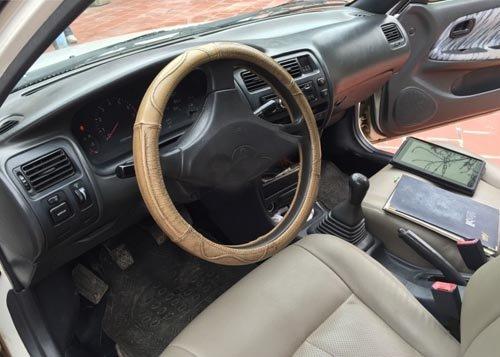 Toyota Corolla đời 1997, màu trắng, giá tốt-2