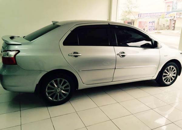 Việt Loan Auto cần bán lại xe Toyota Vios cũ trong nước 2013, màu bạc, còn mới -0