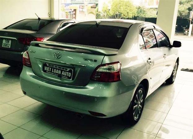 Việt Loan Auto cần bán lại xe Toyota Vios cũ trong nước 2013, màu bạc, còn mới -1