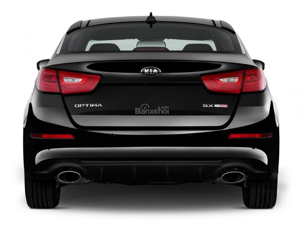 Đuôi xe Kia Optima 2016 không có sự thay đổi nhiều so với người tiền nhiệm.