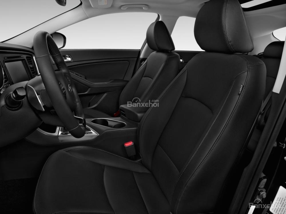 Ghế ngồi của Kia Optima 2016 sẽ được bọc nỉ, da hoặc da cao cấp tùy vào từng phiên bản.