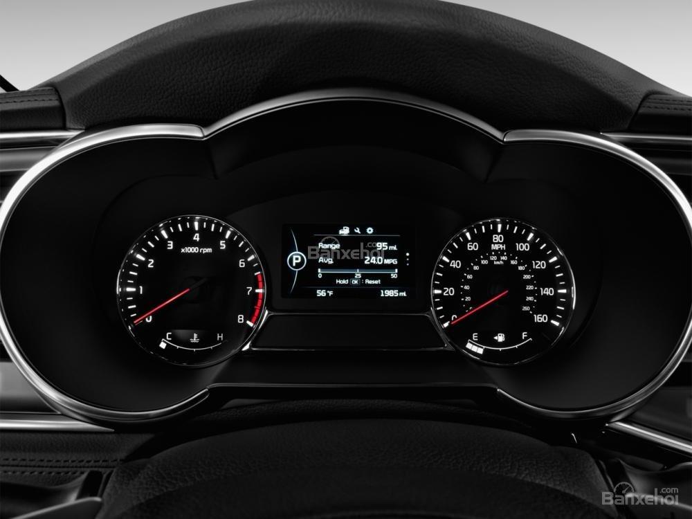Bảng đồng hồ lái của Kia Optima 2016.