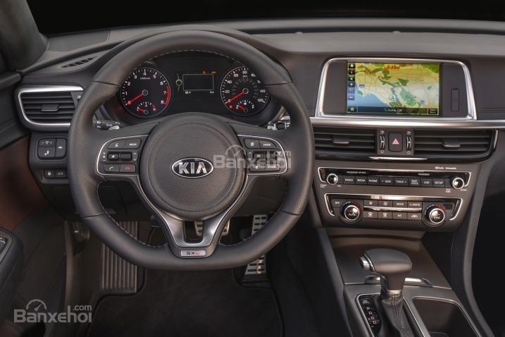 Kia Optima 2016 được đầu tư trang bị nhiều tính năng hiện đại.
