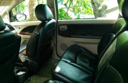 Cần bán gấp Mitsubishi Grandis 2011, màu nâu -2