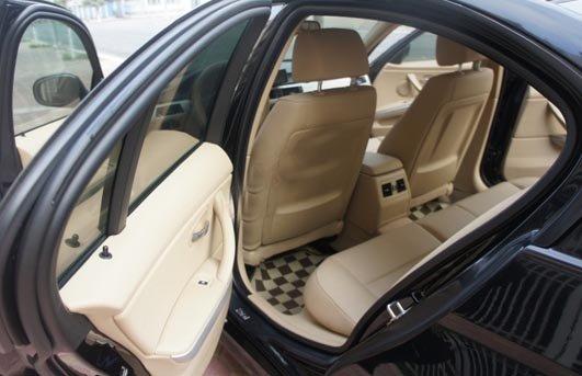 Cần bán BMW 3 Series 2009, màu đen, xe nhập, chính chủ -1