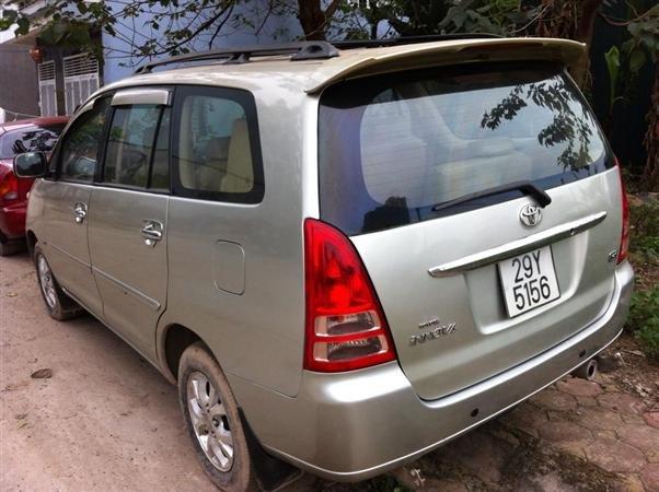 Cần bán lại xe Toyota Innova G cũ màu bạc giá 440tr-2