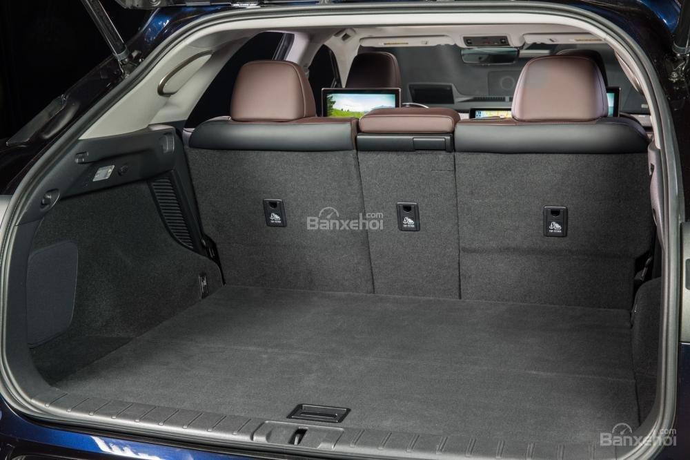 Đánh giá khoang hành lý xe Lexus RX 2016