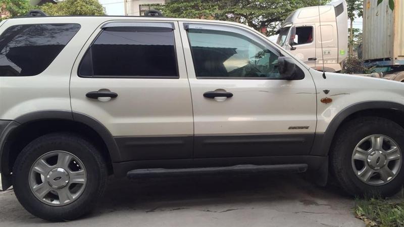 Cần bán xe Ford Escape 2002, màu trắng, nhập khẩu nguyên chiếc, số tự động-0