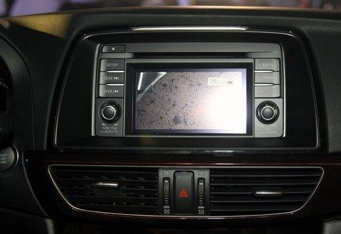 Màn hình của Mazda6 2014.