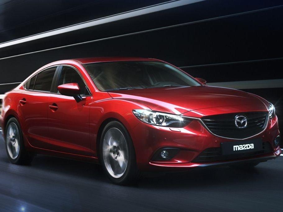 Mazda6 2014 cho cảm giác lái chính xác và nhẹ.