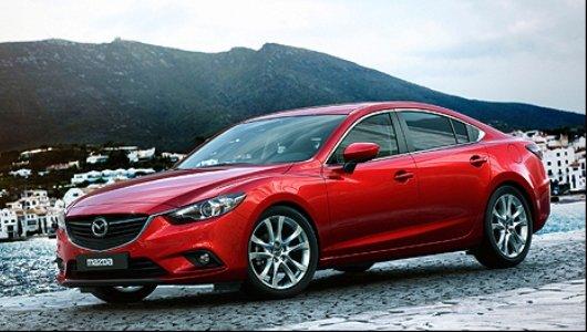 Mazda6 thiết kế khá trẻ trung và thực dụng.