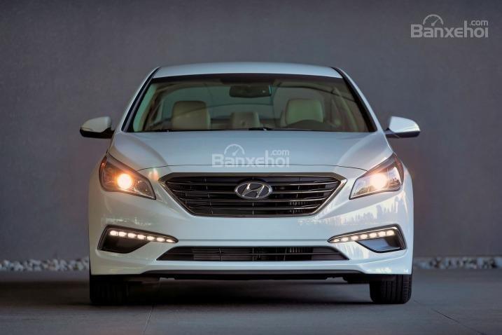 Đầu xe Hyundai Sonata 2015.
