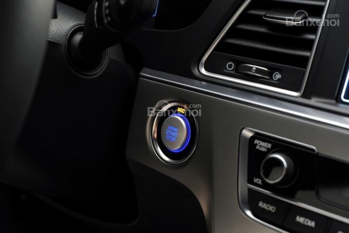 Cửa sổ trời thông thoáng của Mazda6 2014a2