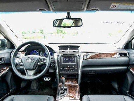 Nội thất của Toyota Camry 2015.