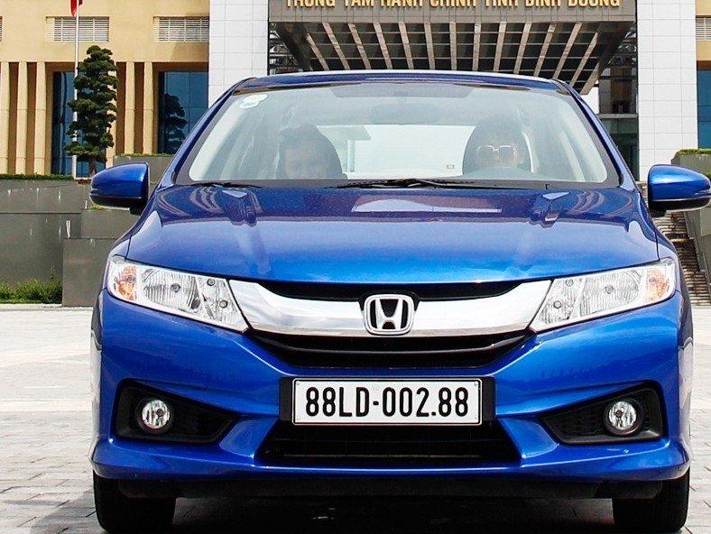 Honda City sở hữu thiết kế hơi cứng và truyền thống.