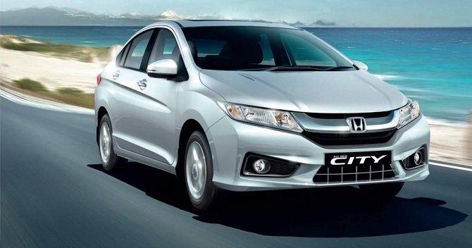 So sánh xe Honda City 2015 và Mazda 2 2015 - Mạnh mẽ và mềm mại.