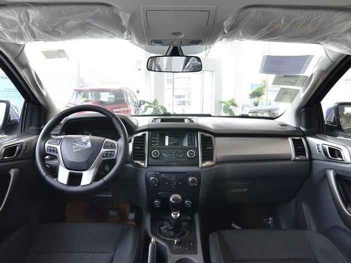 Nội thất của Ford Ranger 2016.