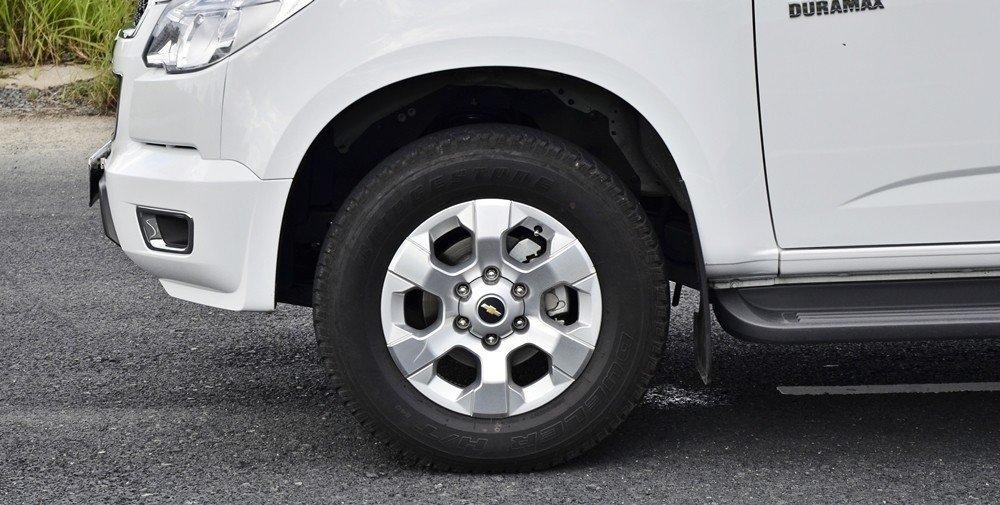 La-zăng xe Chevrolet Colorado 2015.