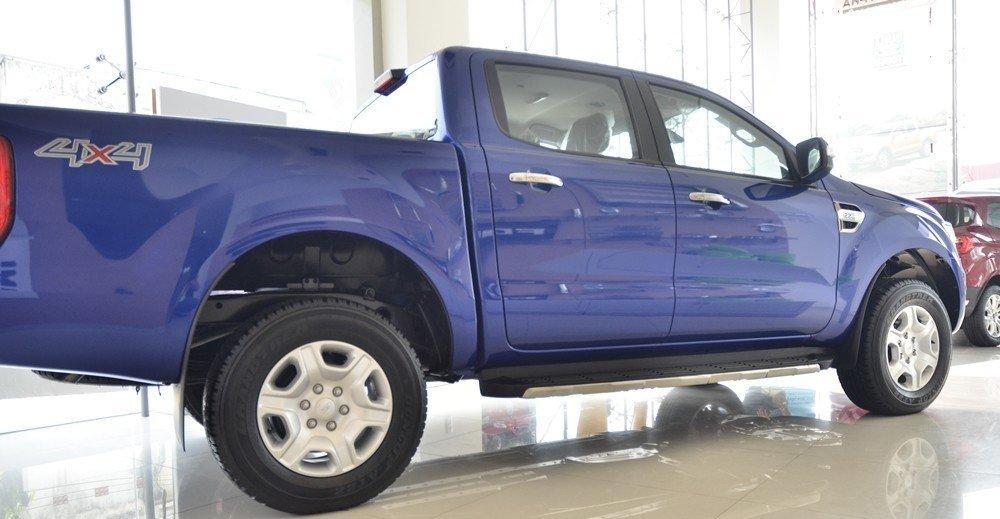 Thân xe Chevrolet Colorado 2015.