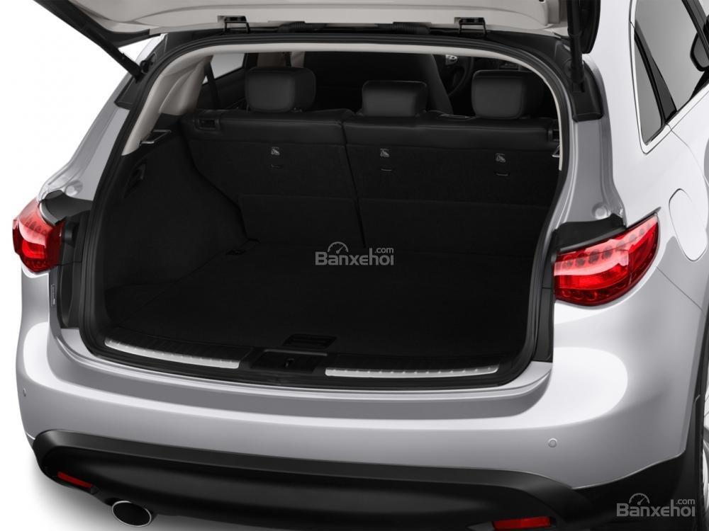 Đánh giá khoang hành lý xe Infiniti QX70 2015