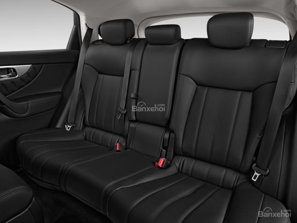 Đánh giá hàng ghế sau xe Infiniti QX70 2015
