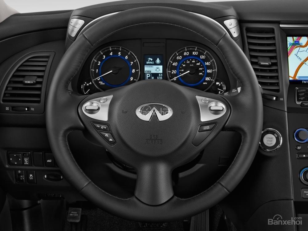 Đánh giá vô lăng xe Infiniti QX70 2015