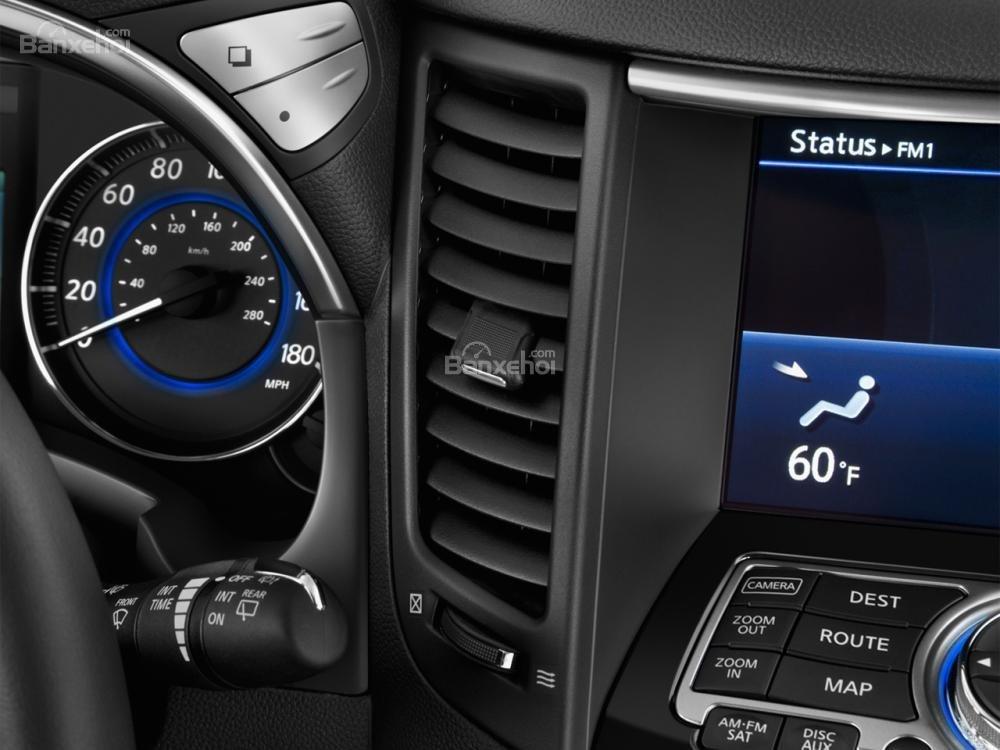 Đánh giá điều hòa phía trước xe Infiniti QX70 2015