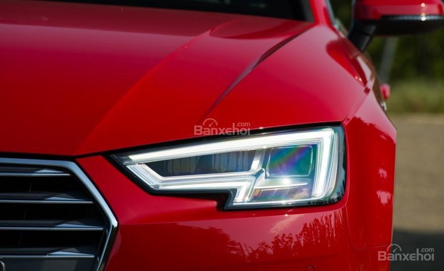 Đánh giá đèn pha xe Audi A4 2017