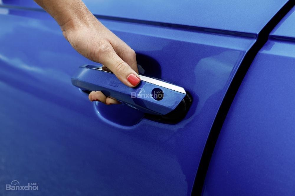 Đánh giá tay nắm cửa xe Audi A4 2017