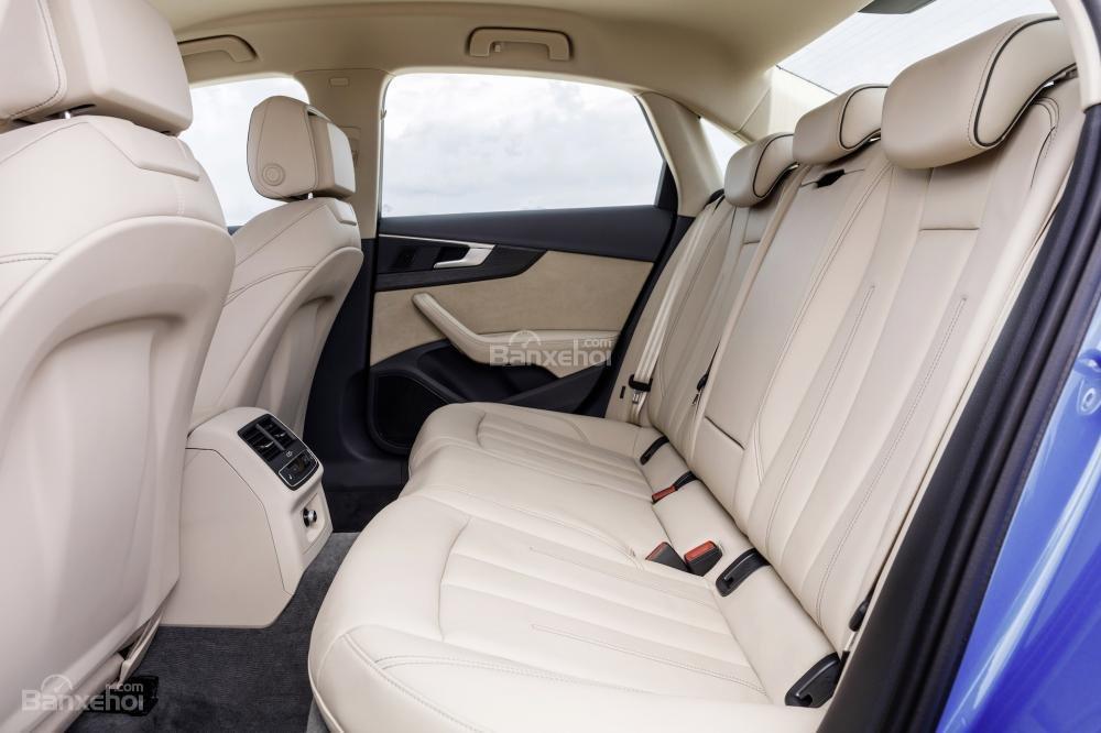 Đánh giá ghế sau xe Audi A4 2017