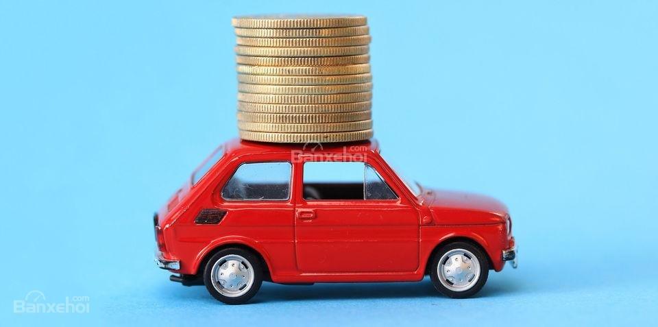 Mua xe ô tô đã qua sử dụng sẽ tiết kiệm được khoản bảo hiểm khá lớn.