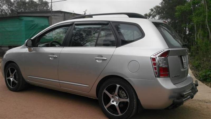 Kia Carens, sản xuất và đăng kí năm 2010-2