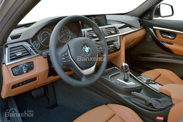 Các chi tiết trong cabin xe BMW 3 Series sử dụng chất liệu có chất lượng vượt trội.