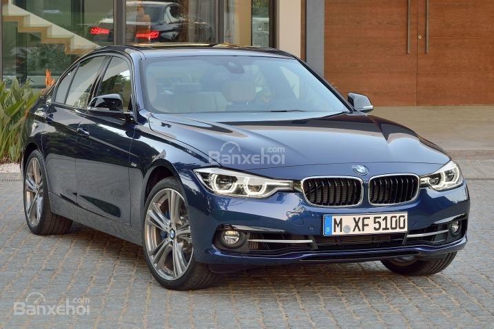 Người hâm mộ đánh giá xe BMW 3 Series 2016 có thiết kế phần đầu mang lại cảm giác dịu dàng hơn.