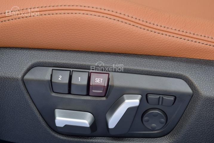 Các chuyên gia đánh giá xe BMW 3 Series 2016 đánh giá cao về chất lượng chất liệu sử dụng trong cabin xe a1.\