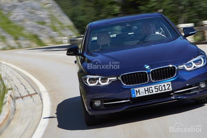 Người dùng đánh giá xe BMW 3 Series 2016 mang đến trải nghiệm lái tốt nhất phân khúc sedan thể thao.