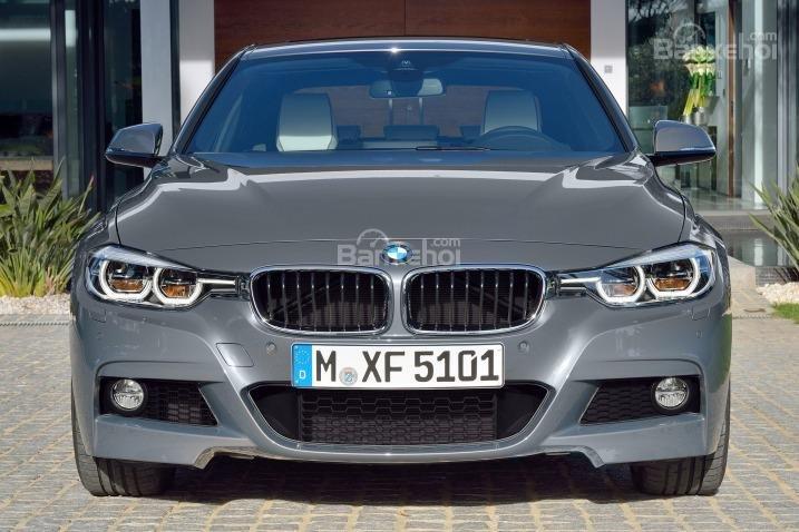 Đánh giá xe BMW 3-Series 2016: Một số đường nét đầu xe được thiết kế mới.