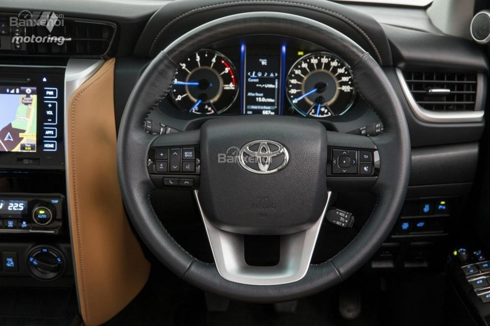 Toyota Fortuner 2016 9