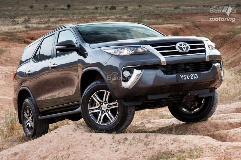 Toyota Fortuner 2016 3