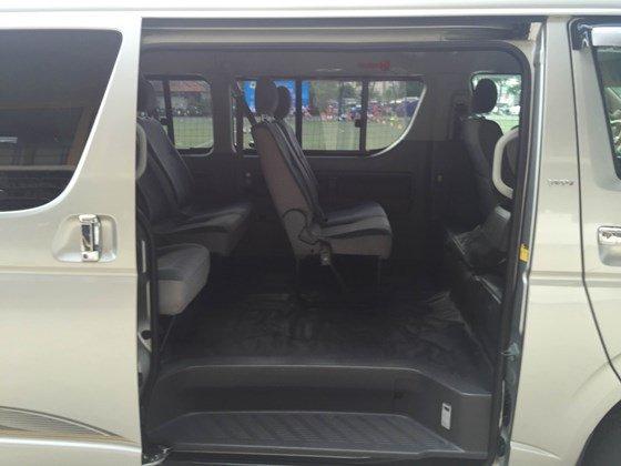 Bán xe Toyota Hiace Supper Wagon, đời 2010, màu xám bạc, 10 chỗ, loại cao cấp-1