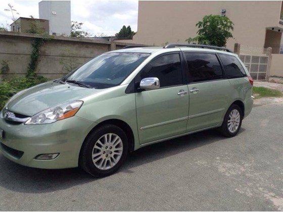 Cần bán xe Toyota Sienna 3.5 LE Parkit 3, sản xuất 2008, màu xanh ngọc, xe 2 cửa điện-0