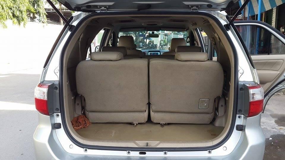 Gia đình cần bán Toyota Fortuner V 2012 phiên bản 2 cầu màu ghi bạc-8