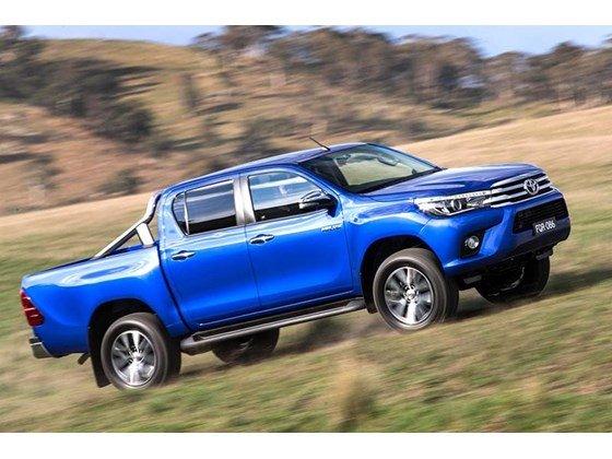 Bán xe ô tô Toyota Hilux giảm giá 10 triệu PK + 7 món-2