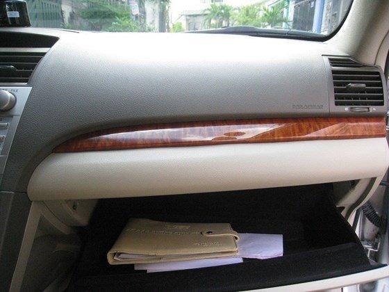 Gia đình bán Toyota Camry 2.4L SX cuối 2012 màu bạc nội thất màu da kem rất đẹp-24