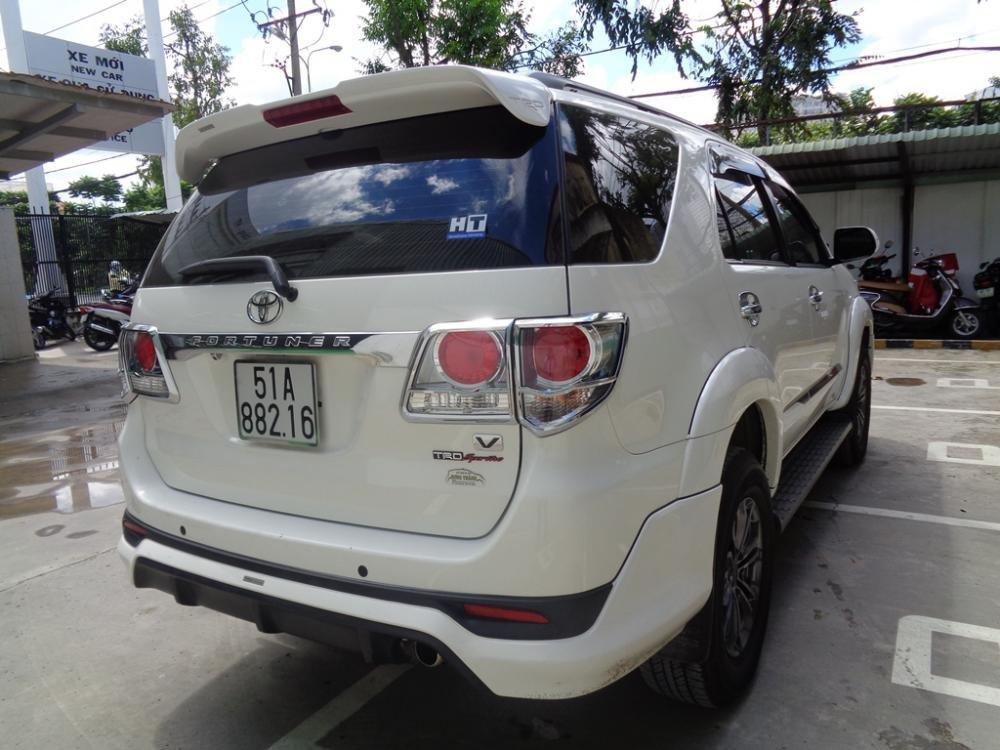 Toyota Camry 2.7 V TRD màu trắng 1 cầu sản xuất 2014 cần bán-4
