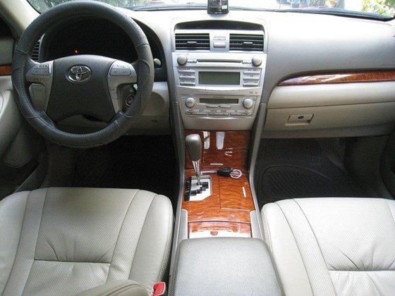 Gia đình bán Toyota Camry 2.4L SX cuối 2012 màu bạc nội thất màu da kem rất đẹp-10