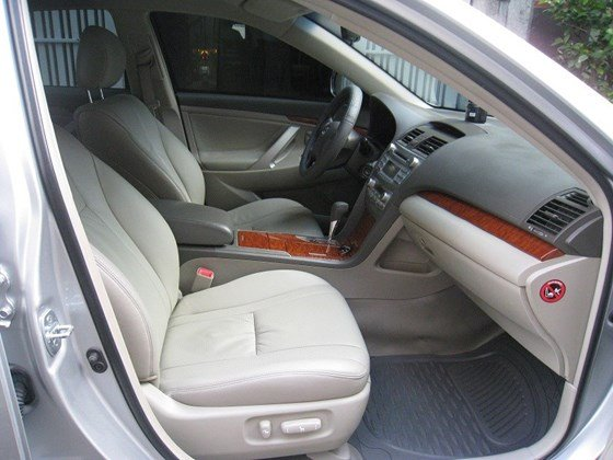 Gia đình bán Toyota Camry 2.4L SX cuối 2012 màu bạc nội thất màu da kem rất đẹp-19