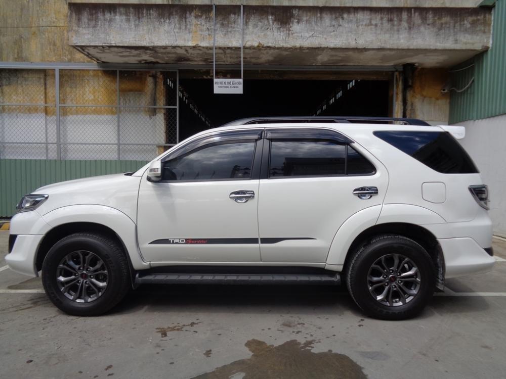 Toyota Camry 2.7 V TRD màu trắng 1 cầu sản xuất 2014 cần bán-2
